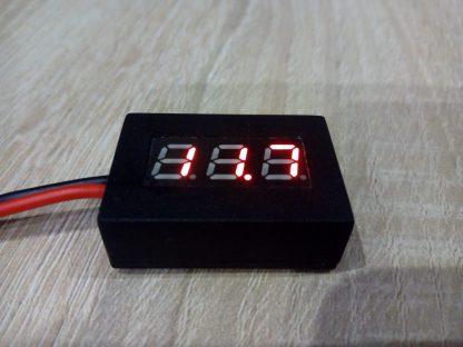 [:hu]Motorkerékpárra felszerelhető feszültségmérő[:]