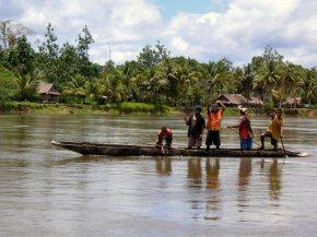 Sepik canoe