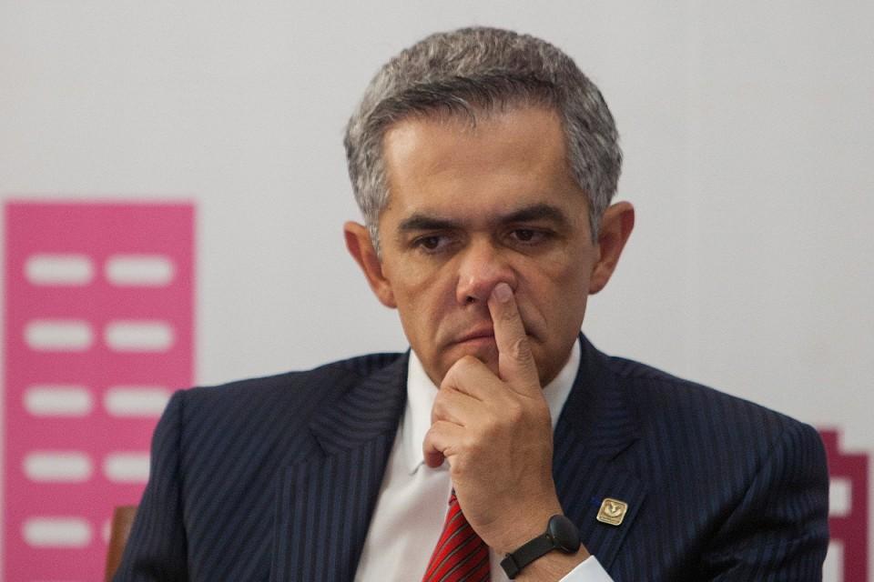 MIGUEL ÁNGEL MANCERA EN LA MIRA, SOLICITAN SU DESAFUERO