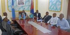 Mogadishun Pormestarin toimistolla tapaamisessa.