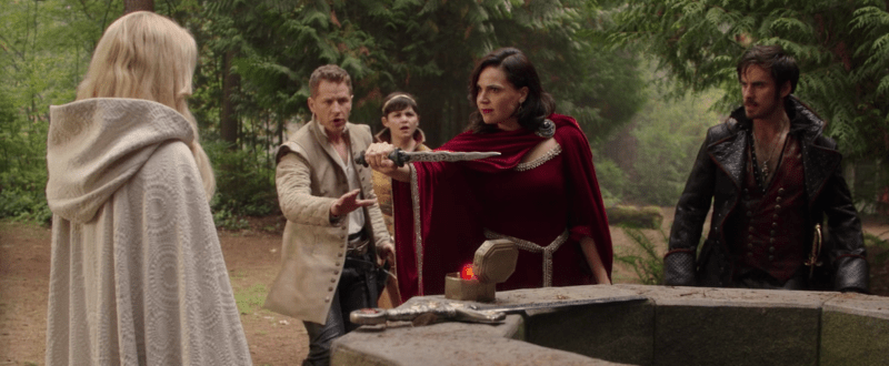 Regina using the dark one dagger to force Emma to admit her true fear to herself.