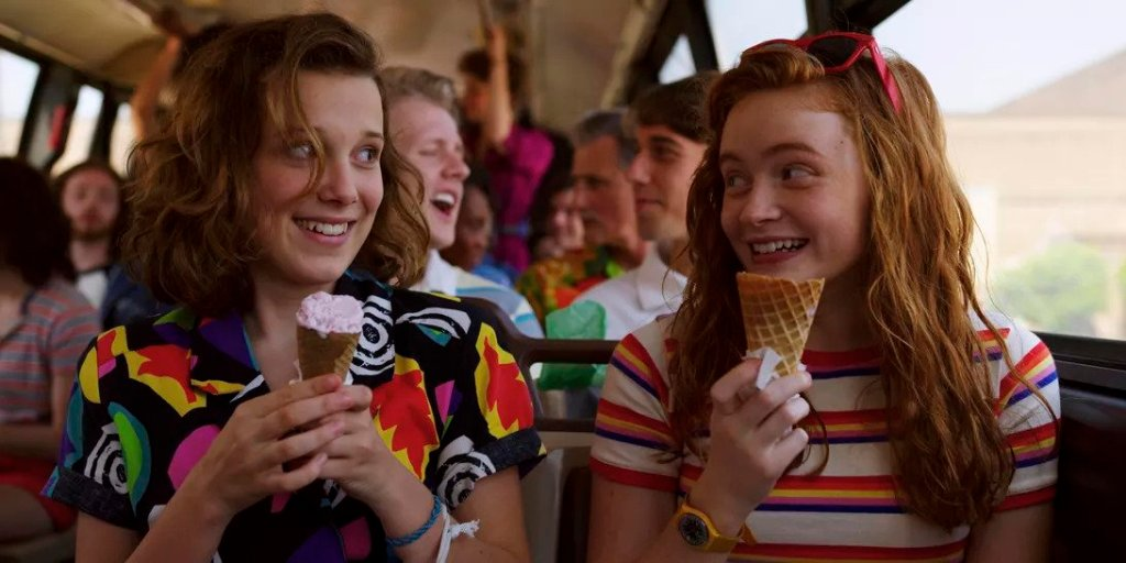 Stranger Things 301 + 302 - Max and Elle eating ice cream cones