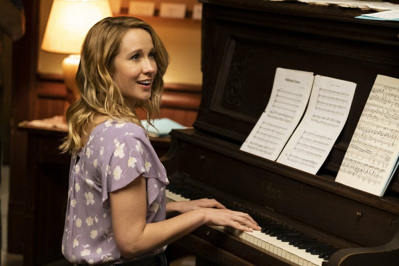 """PERFECT HARMONY -- """"Pilot"""" Episode 101 -- Pictured: Anna Camp as Ginny -- (Photo by: Justin Lubin/NBC)"""