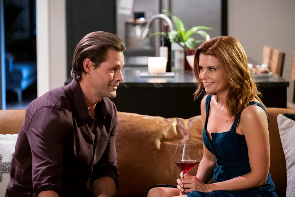 SWEET MAGNOLIAS (L TO R) JUSTIN BRUENING as CAL MADDOX and JOANNA GARCIA SWISHER as MADDIE TOWNSEND in episode 108 of SWEET MAGNOLIAS Cr. ELIZA MORSE/NETFLIX © 2020