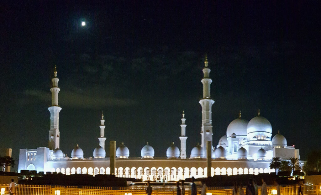 Grand-Sheikh-Zayed-Mosque-4-Abu-Dhabi