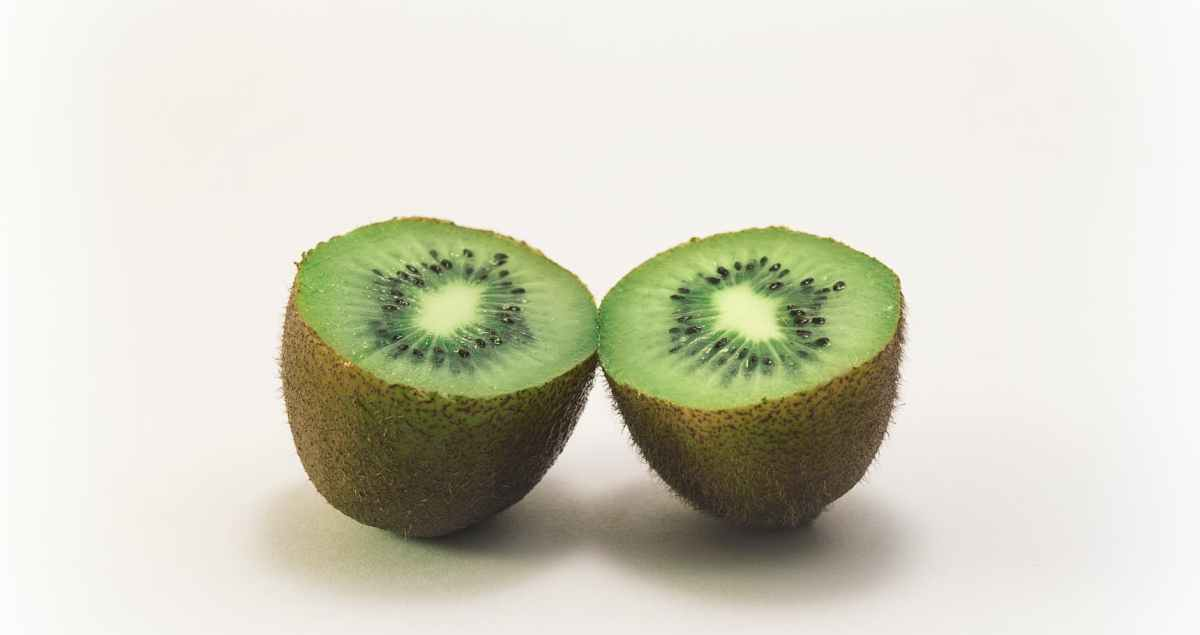 About Some Small Things - Sliced kiwi