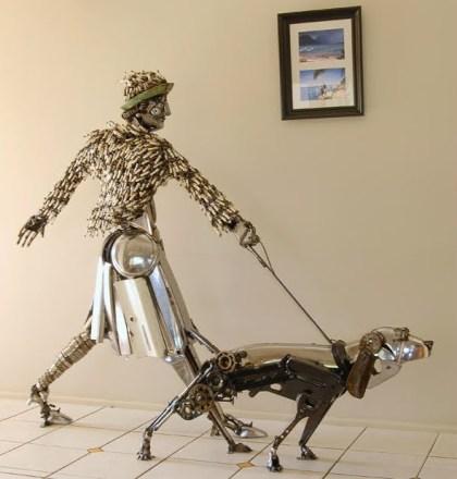 Escultura de sucata de carro