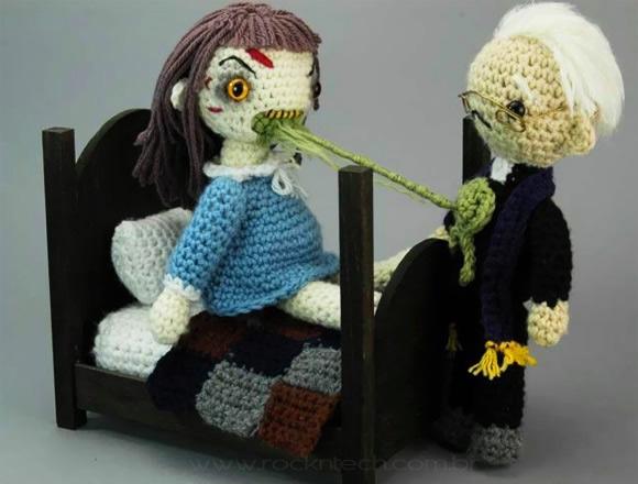 Exorcista bonecos