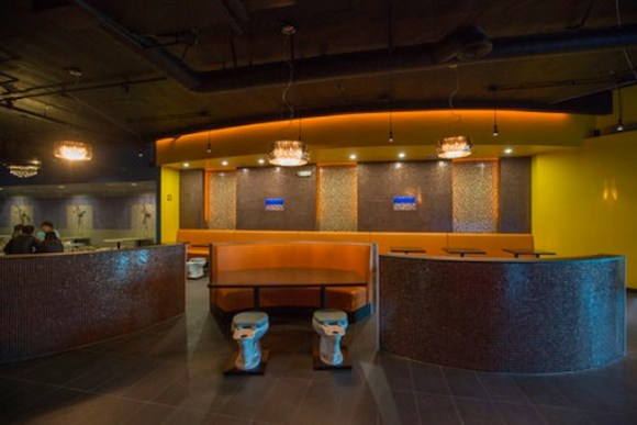 10_2013_BATHROOM_RESTAURANT-4
