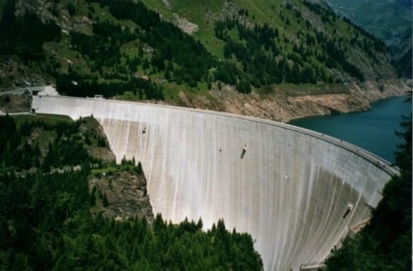 Represa Luzzone - Parede de escalada - Suíça (1)