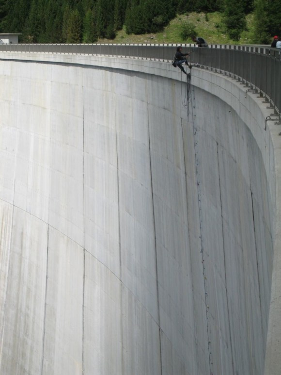 Represa Luzzone - Parede de escalada - Suíça (6)