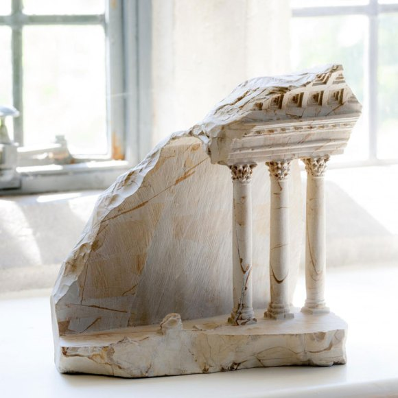 miniature-columns-and-pillars-carved-into-marble-by-matthew-simmonds-9