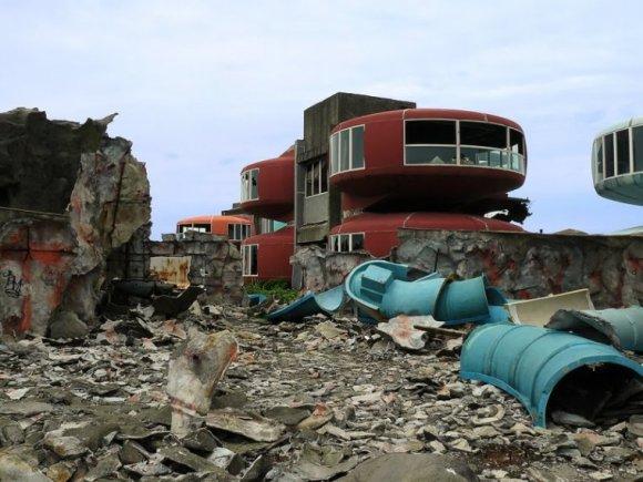 Cidades abandonadas - Sanzhi Pod (9)