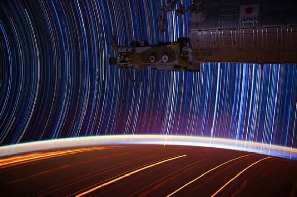 Fotos em longa exposição do espaço (5)