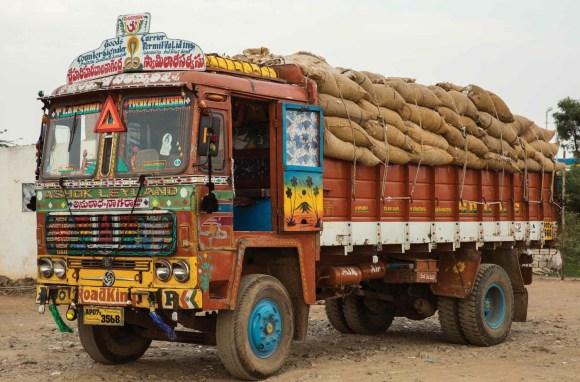 Caminhões decorados da Índia - 21