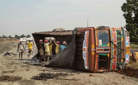 Caminhões decorados da Índia - 28
