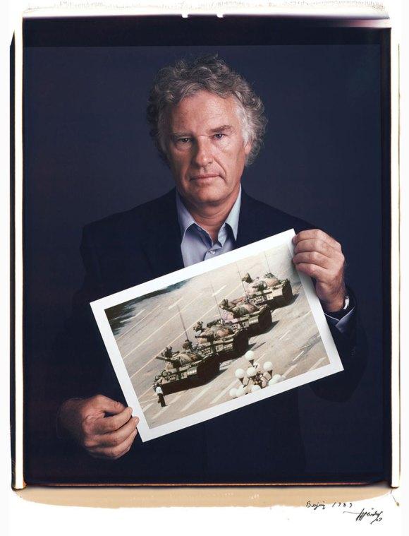 famous-photographer-portraits-behind-photographs-tim-mantoani-4[1]