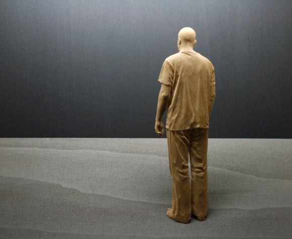 Esculturas hiper-realistas em madeira - PeterDemetz 9