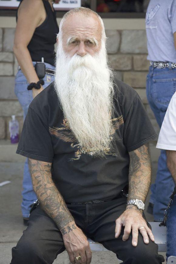 Pessoas mais velhas com tatuagem 12