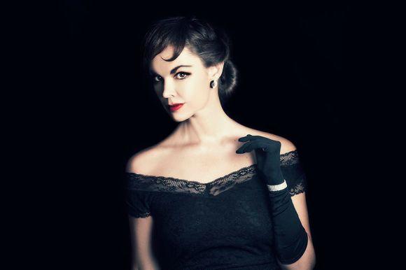 15-Audrey-Hepburn__880[1]