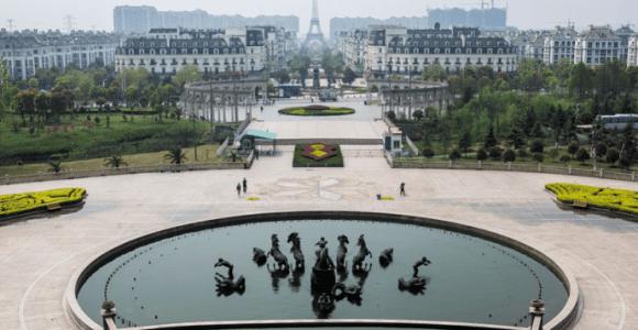 País da cópia? China se dedica a construir inúmeras réplicas de lugares europeus