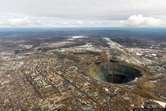 Cratera Russia
