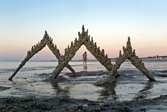 Esculturas de areia diferentes 12
