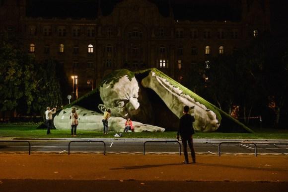 Escultura de um gigante 6