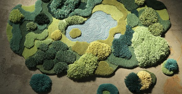 Artesã se inspira em gramados reais para criar lindos tapetes
