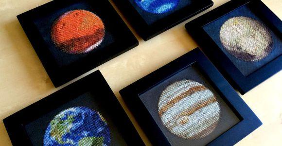 Artista usa bordado para fazer representação fiel do sistema solar