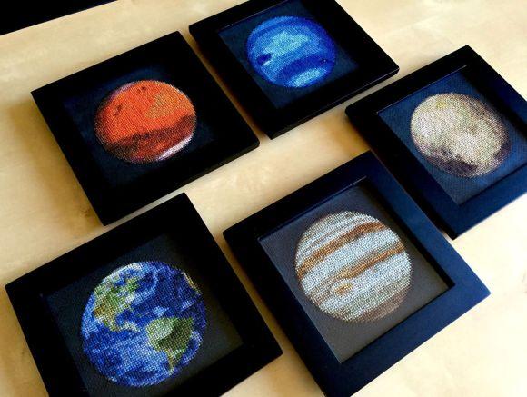 Bordado de planetas