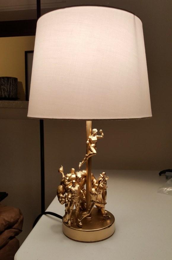 action-figure-lamp-1[1]