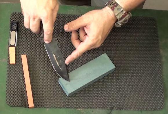 Como afiar facas corretamente