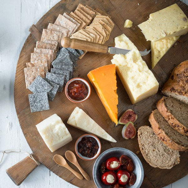 Quickes Traditional Cheese Board