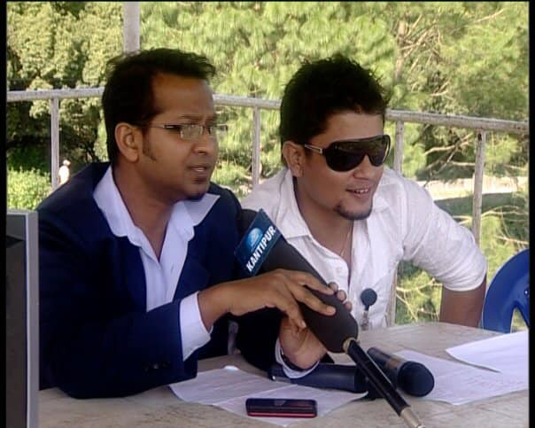 Commentating on Cricket