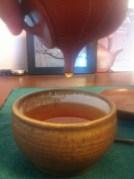 pouring_keemun