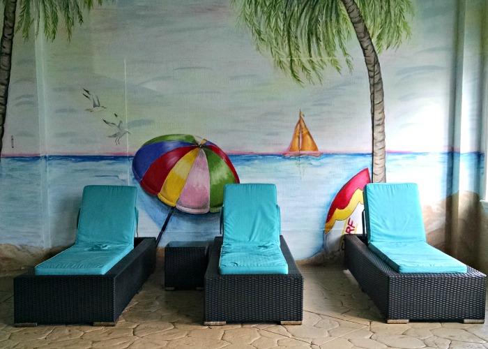 Comfort Suites poolside loungers