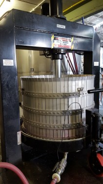 Vertical press. Used for Pinot Noir.
