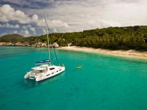 Dallas Social Media Speaker J.R. Atkins enjoys sailing the BVI