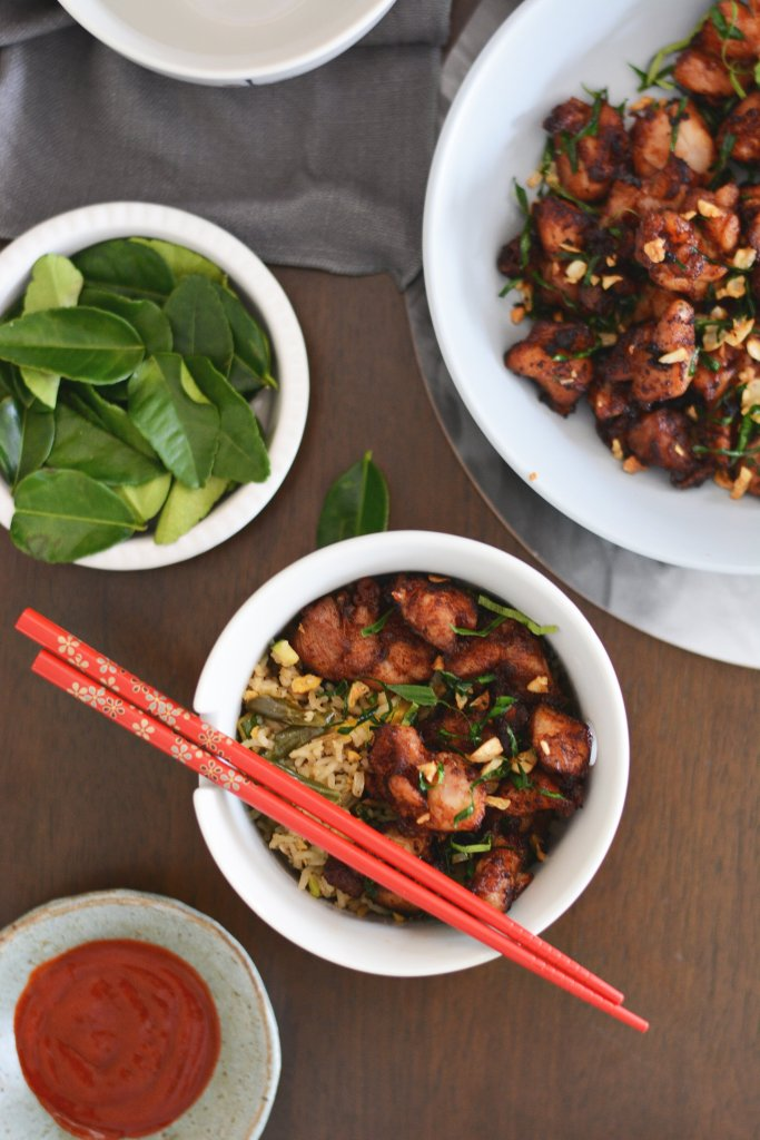Stir fried chicken with lime leaves and garlic