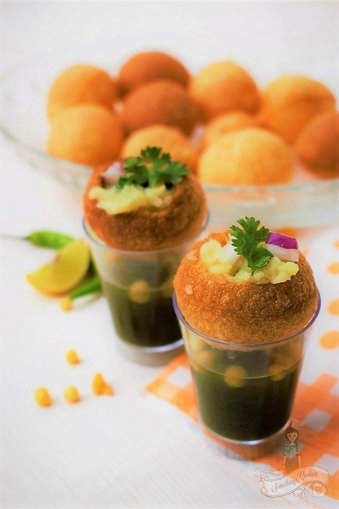 How to eat Pani Puri - How to assemble Pani Puri - Golgappe Recipe