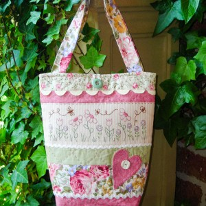 Sally Giblin Rivendale Collection RIC RAC & BLOOMS Sewing Quilting BAG Pattern