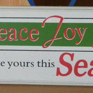 Country Christmas Rustic Wooden Sign Peace, Joy Love Ornamental Decoration New