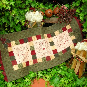 Quilting Sewing Table Runner Pattern WINTER FRIENDS XMAS Rivendale Collection NEW