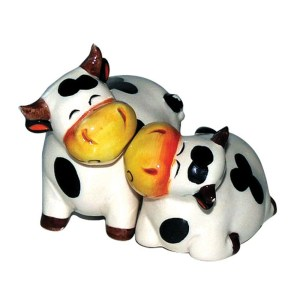 French Country Collectable Novelty Magnetic Cows Salt and Pepper Set New