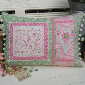 Quilting Sewing Cushion Pattern STITCHING FRIENDS Rivendale Collection