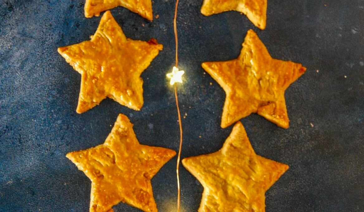 Stilton and Walnut Star Biscuits