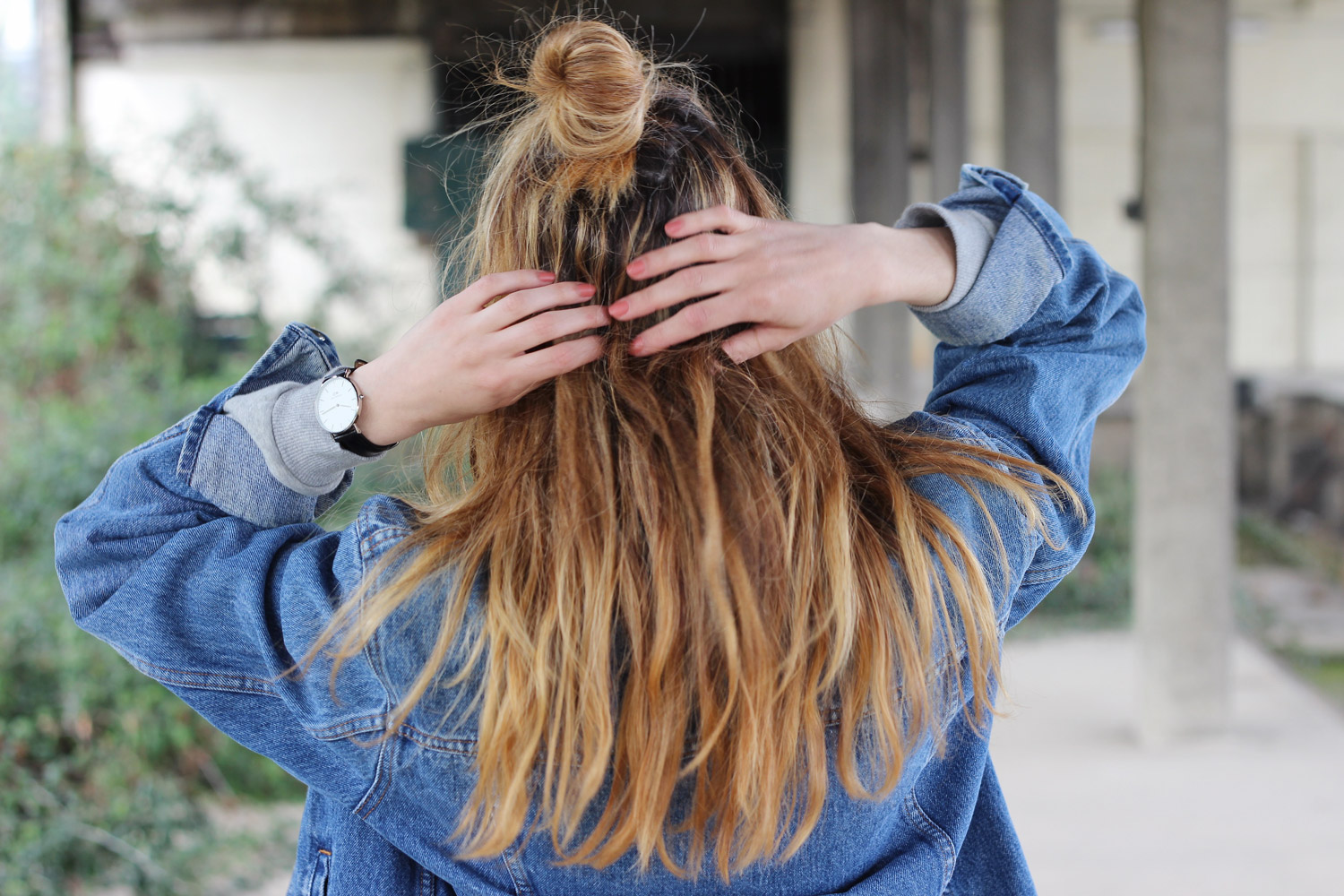 halfbun-blond-hair