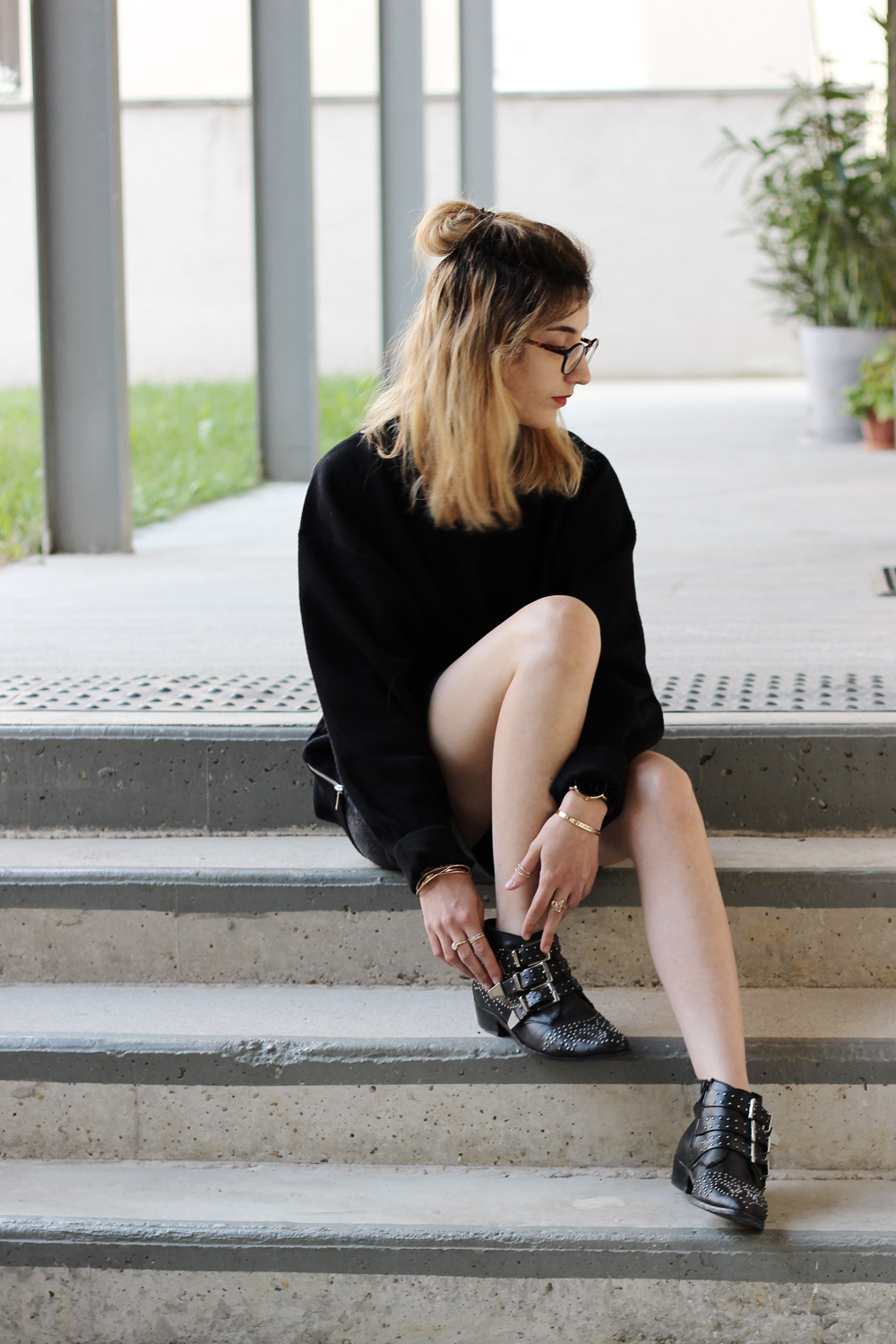 look-sweat-bottines-cloutees-blog-mode