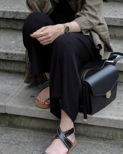 Combi & sandales cloutées